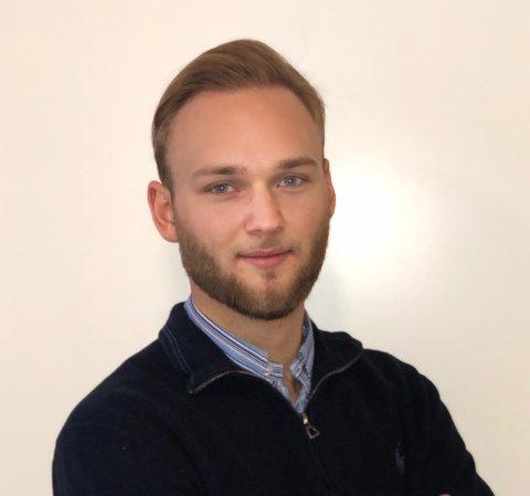 Tobias Paulsen Olsen (21) er fra Risør, men studerer for tiden ved Norges Handelshøyskole i Bergen. Sammen med klassekameratene startet han opp Dynamisk Prospekt.