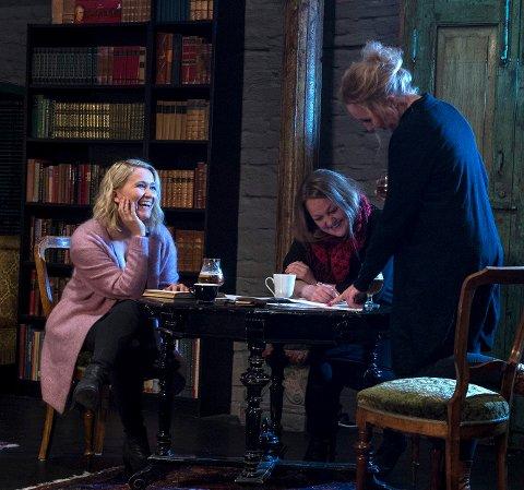 Damene kommer: Maria Moe Grude, Susanne Arnesen og Nina Andreassen (fra venstre) inntar Teglhuset denne helgen.