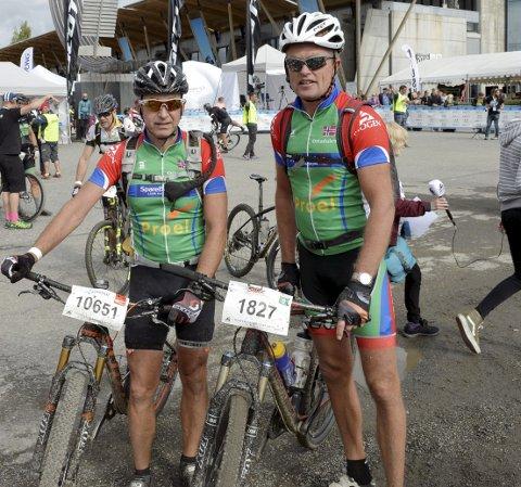 SAMMEN: Ottadalen-syklistene Jan-Ivar Lillebråten (t.h.) og Erik Trønnes kom sammen til mål. Foto: Kjell H. Vollan