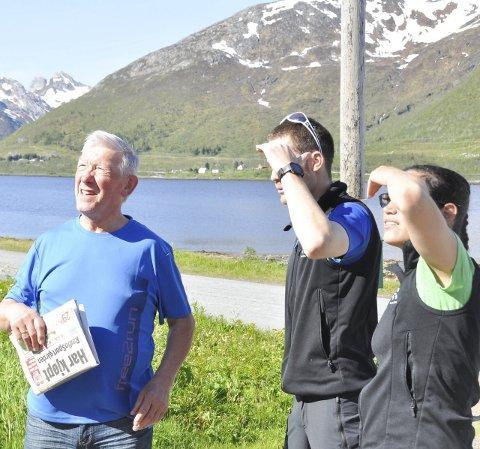 Kjentmann: Tobias Scheller og Christiane Broichhausen fra Bayern i Tyskland er i Lofoten for å gå i fjellene og nyte naturen.