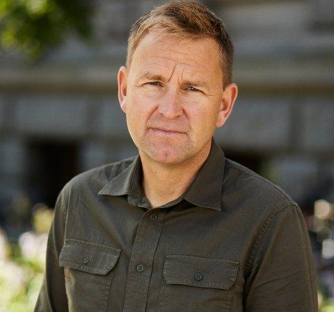 VGs krimkommentator Øystein Milli kommer onsdag til Trondheim sammen med kollega Tor-Erling Thømt-Ruud.