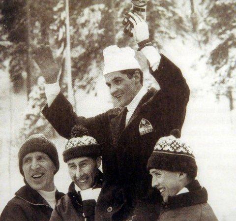 STAFETTLAGET: Verdensmestere i stafett under VM i 1966, fra venstre, Ole Ellefsæter, Harald Grønningen, Gjermund Eggen og Odd Martinsen.