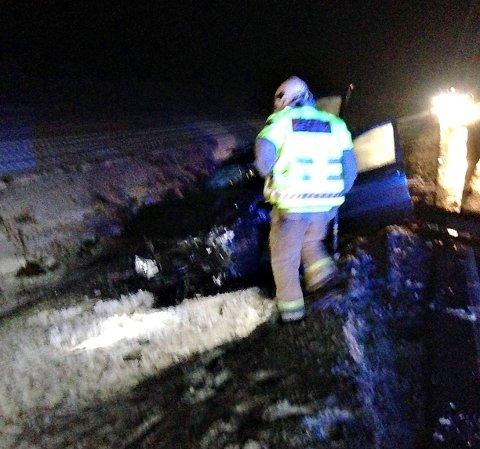 STORE MATERIELLE SKADER: To biler krasjet på Bispeveien. To personer ble sendt til legevakt.