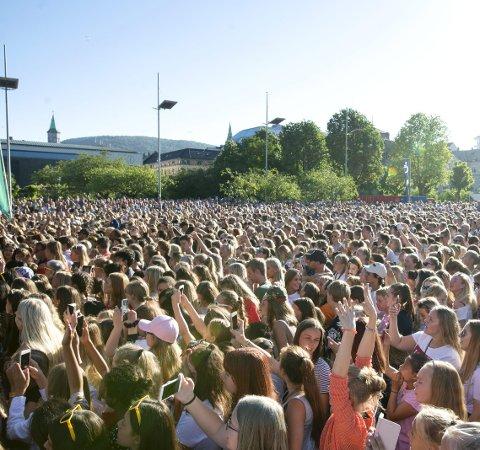 STAPPFULLT: Over 10.000 konsertgjengere koste seg under solen på VG-lista i fjor. I kveld er det klart for årets utgave. foto: BA arkiv