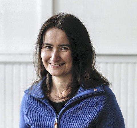 Fanny Homin forteller at «Kraftverk» er for alle som er glade i å skrive. Årlig mottar tidsskriftet 200 tekstbidrag.Foto: Privat