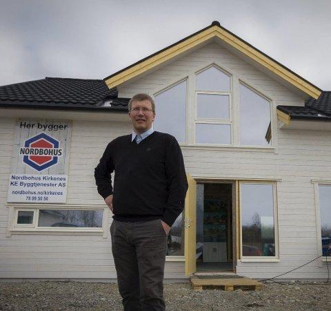 TVANGSOPPLØST: Roger Kristiansen er forlengst etablert i det nye byggselskapet Føniks Bygg. Her mens han ennå var i Nordbohus Kirkenes KE Byggtjenester.