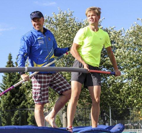 California: Familien Guttormsen skal tilbringe det neste året i California. Her far og trener Atle Guttormsen og Sondre Guttormsen på trening i Ski idrettspark.ARKIV: Atle Larsson