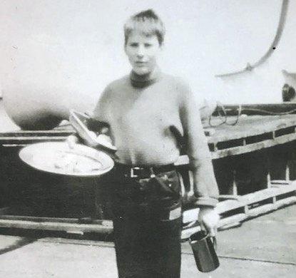 FØRSTEREISGUTT: Mauritz Mauritzen, førstereisgutt på M/V Tamerlane. Han mønstret på som messegutt i august 1956, bare 15 år gammel.