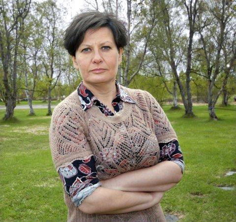 SINT: Ordfører Helga Pedersen (Ap) i Tana er mildt sagt misfornøyd med avgjørelsen til Sparebank 1 Nord-Norge om å legge ned kontoret i blant annet hennes kommune.