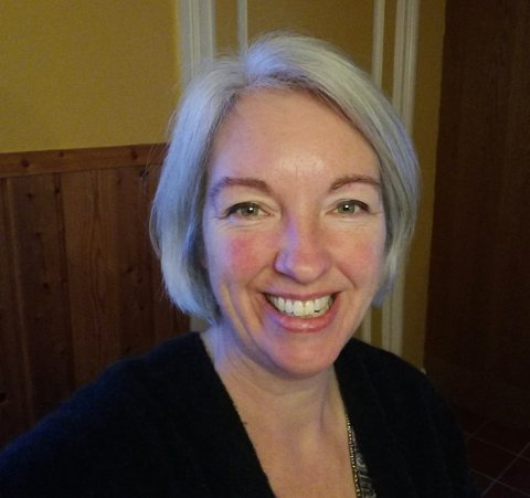 MEDITERER: Hver andre søndag i måneden mellom klokka 20 og 21 vil Lilian Dijkema åpne stua si i Reine for folk som vil meditere.