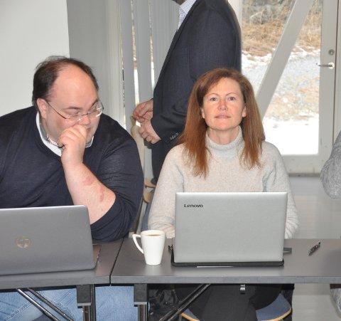 FLERBRUKSHALL: Cecilie Nygård Johnsen (Sp) fikk kommunestyret med på gi Flakstad IL frist til etter sommerferien med å avklare bygging av flerbrukshall. Einar Benjaminsen mener avklaringen burde kommet tidligere.