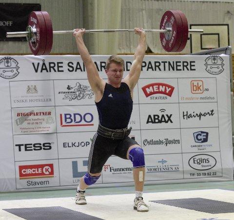 NY REKORD: Vetle Andersen hadde et støt på 127 kg, noe som er ny bestenortering for NM-debutanten.