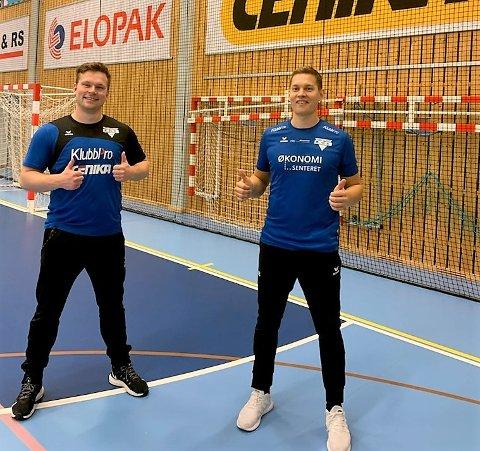 KLARE: Målvakt og styremedlem Jørn Hogseth (t.v), og  spillende trener Ole-Jacob Borch gleder seg til 12. oktober.