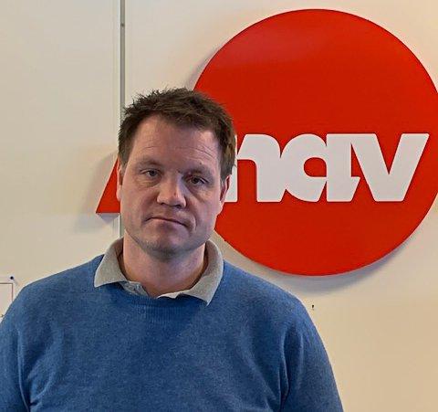 STOR PÅGANG: Nav-leder Ole Petter Gravningen i Sandefjord har hittil registert 400-500 permitterte i Sandefjord som følge av koronakrisen. Han ber alle som har nett og PC hjemme, oppsøke Nav digitalt - IKKE fysisk.
