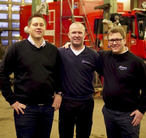 FORNØYDE: Joachim Andresen, André Solberg og Christian Andresen gleder seg over nysatsningen. Foto: Andreas Brøvig