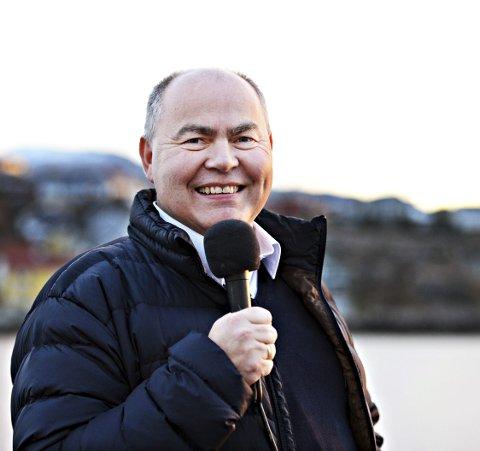 Rune Edøy skal kommentere KM i futsal.