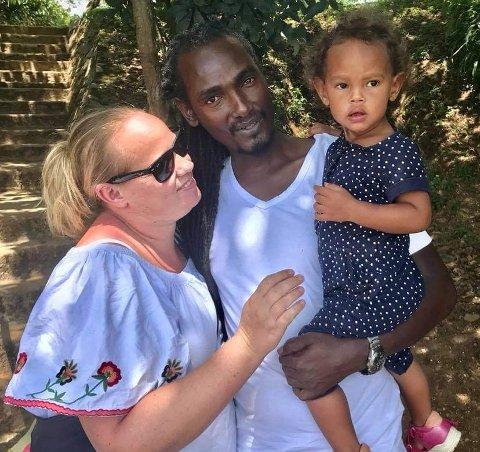 Lena Eltervåg og familien har nå flyttet til Ålgård. Her er de fra tiden i Uganda.