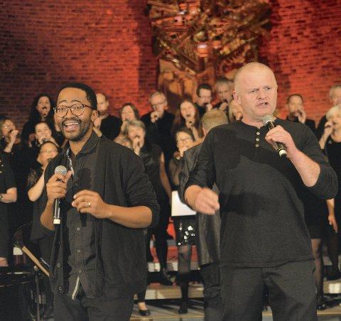 DIGG MED DIGc: Det blir gospelkonsert med Drammen Internasjonale Gospel Choir i vakre Holmsbu kirke lørdag kveld.Foto: Privat