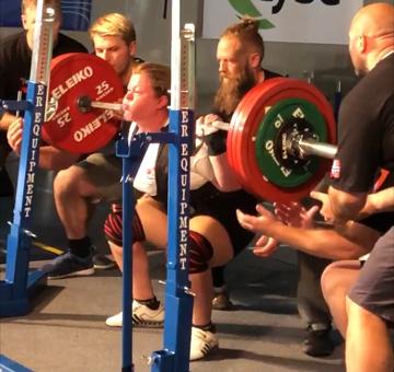 PRESTERTE: Hege Wold Johansen fra HSI ble nummer fem i sin klasse i styrkeløft-NM.