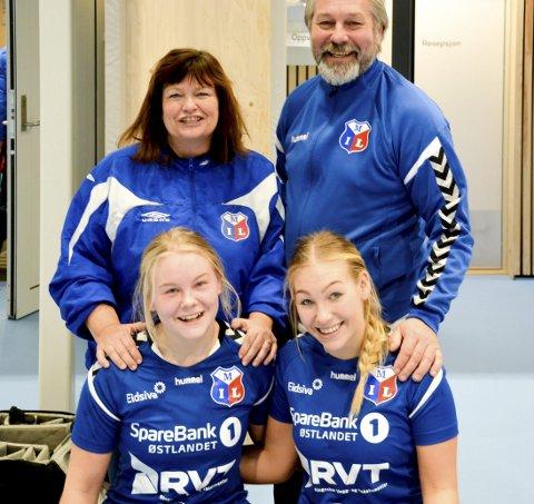 Håndballfamilien: Bak: Grethe og Tormod Kvisler. Foran: Sannah og Sarah Kvisler.Foto: Petter Sand