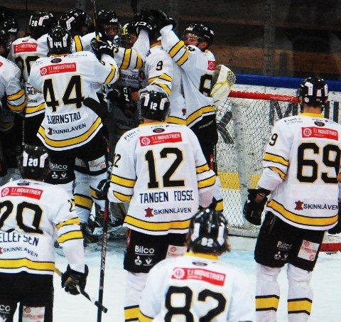 LOKALE ISKRIGERE: Ringerike Panthers spilte kamp i Stavanger lørdag.