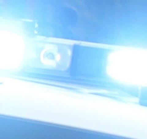 KRASJ: Ferden endte med kollisjon med en politibil.