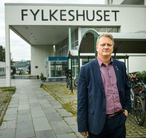OPPLØSNING ALLEREDE I ÅR: Etter at FrP har signalisert at de vil støtte en oppløsning av Viken, har fylkesordfører Ivar B. Prestbakmo (Sp) kastet hansken og utfordret FrP til å gjøre det samme for Troms og Finnmark.