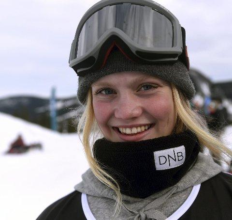 FJERDEPLASS: KIF-jenta Tina Steffensen ble nummer fire i slopestylefinalen i World Rookie Festival i Livigno i Italia onsdag.foto: ole john Hostvedt