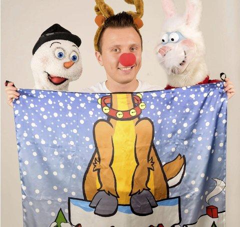 JULEMORO: Det er litt av noen typer som dukker opp i Mogenos juleshow søndag 16. desember i Notodden teater. De gleder seg hele gjengen. foto: privat