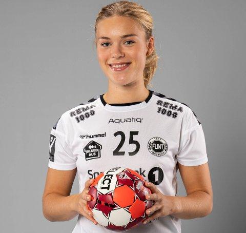 EGEN AVL: Andrea Varvin Fredriksen har spilt håndball i Flint siden hun var 13 år. Nå er hun en av nøkkelspillerne på klubbens eliteserielag.