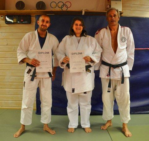 Wibecke Jøsang og Alexander Lange har mottatt honorær 2.dan fra presidenten i Norges judoforbund.