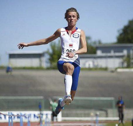 BERGENSAREN: Amund Høye Sjursen frå Gneist skal  over åtte meter og ta norsk rekord i år. - Treff eg perfekt i Florø kan det bli rekord, seier han gler seg til å snakke ned trønderkompisen.  Foto: NTB