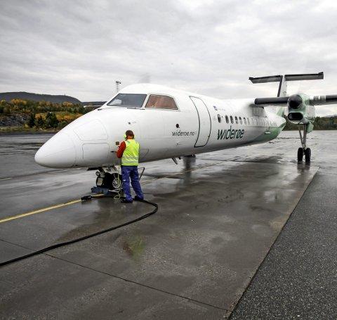FOT TIL BODØ: Ved neste konsesjonsrunde bør det offentlige tilskuddet gis på flyforbindelsen Evenes-Bodø tur/retur fordi behovet er større på denne flyforbindelsen enn Evenes-Tromsø tur/retur, men da nytter det lite å bare skrive brev, skriver Roald Kristensen.