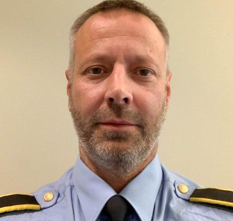 AVDEKKET MYE TJUVGODS: Paul-Arne Lind er straffesaksansvarlig i Alta lensmannsdistrikt. Han har nå fått flere nye saker på bordet etter at det ble gjennomført en ransaking av politiet i etterforskningsøyemed i Alta.