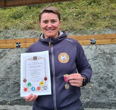 NYTT NM-GULL: Gunn Heidi Sønsterud Haugen tok sitt 17. NM-gull i pistolskyting i helgen. FOTO: PRIVAT