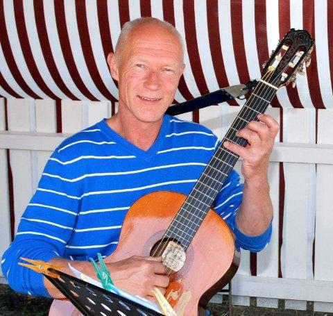 JAZZ ALIVE: Trond Bull-Hansen på gitar.