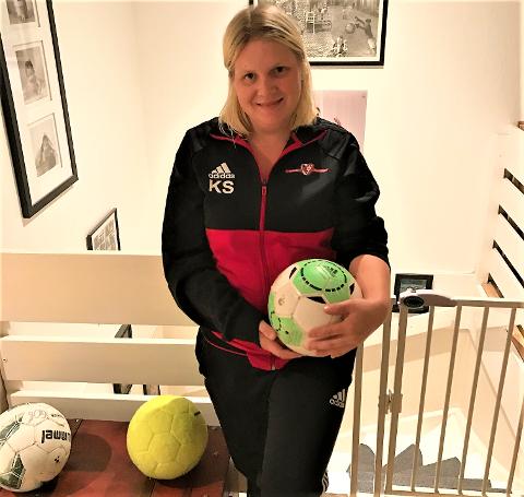 ILDSJEL: Karianne Skaug trener jenter 06 og 07 for Holmlia Sportsklubb. Foto: Privat