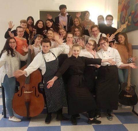 Elevene på studiespesialisering musikk og restaurant- og matfag har slått seg sammen. De har kafé med konsert på Verdensteatret torsdag til inntekt for Operasjon Dagsverk.