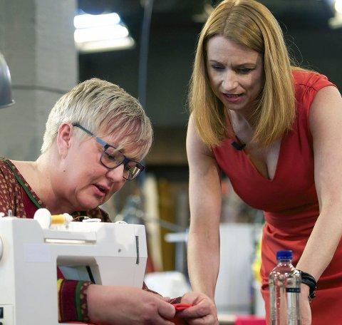 Moro: Heidi Persdatter Haaker (t.v.) med programlederen, komiker og skuespiller Christine Hope. Foto: Tore Zakariassen