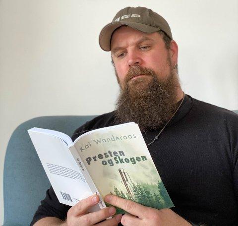 KRIM: Kai Wanderaas har gitt ut boka «Presten og skogen».