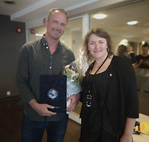 Diplom: Cato Johansen bosatt i Oslo, på ferie i Rana i fjor, var den andre som bidro til å redde Marijam. Her sammen med Trude Aastad i NLS.