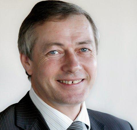 KORT PENSJONISTTILVÆRE: Vidar Ulriksen er ny statssekretær i fiskeridepartementet. Han trur han og fiskeriminister Bjørnar Skjæran vil utfylle kvarandre godt.