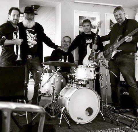 JAZZ: Den lokale gruppa «Bluemen» skal setja den musikalske stemninga. (Pressefoto).