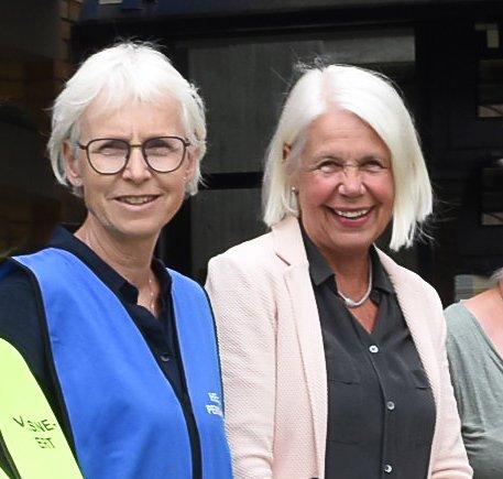 FORNØYD: Vaksinekoordinator Åslaug Bergstøl er glad for den store leveransen med vaksinedoser Notodden får i neste uke. Her sammen med kommunalsjef Anne Grete Rønningsdalen