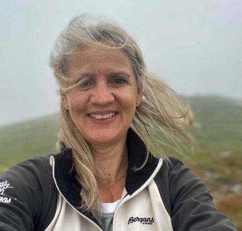 FEIRET MANNEN: Benita Schulsrud-Hansen ville overraske mannen sin med fyrverkeri da han fylte 50 år. Det fikk mange med seg.