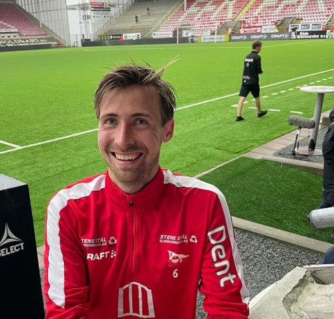 Niciolay Solberg ble utvist i lokaloppgjøret mellom Sarpsborg08 2 og FFK2 mandag kveld.