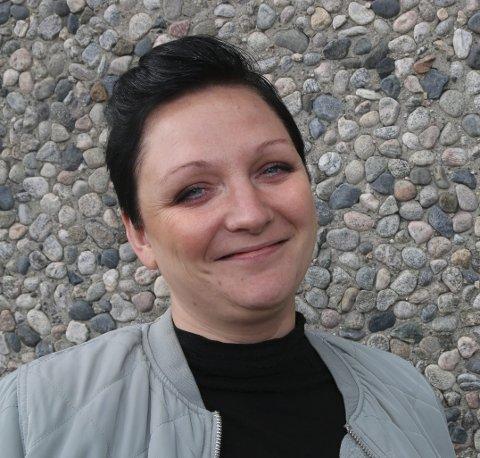 HÅPER SOFAVELGERNE STILLER: –Målinger er litt skumle, da det kan få sofavelgerne til å bli hjemme siden «det ser ut til å gå bra», sier Lisbeth Fremstad, Oppland SVs andrekandidat.
