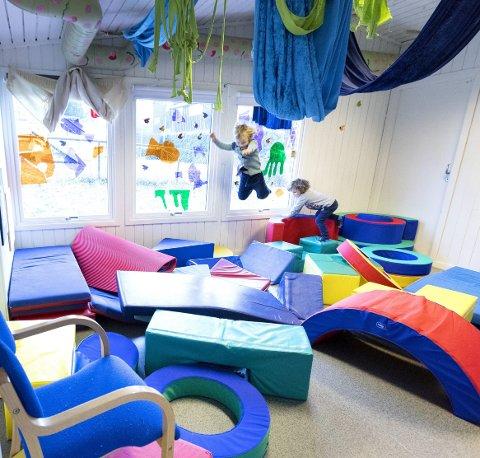 Lek: Tull og tøys har rett på ein plass i barnehagen skriver innsenderne. Illustrasjonsfoto: NTB Scanpix