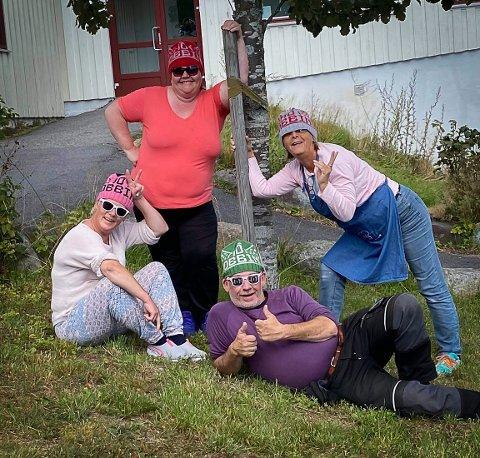 GÆREN GJENG: Disse fronter Mot mobbing-luene. Fra venstre foran Unn Elisabeth Fevang Tafjord og Erling Collert. Bak fra venstre Anne Mette Johnsen og Mia Håkestad..