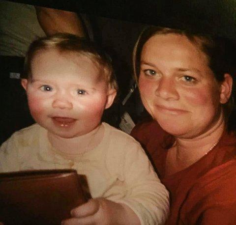 MOR OG DATTER: Lill Gjerstad Andersson mistet datteren Aurora da hun bare var 1,5 år.